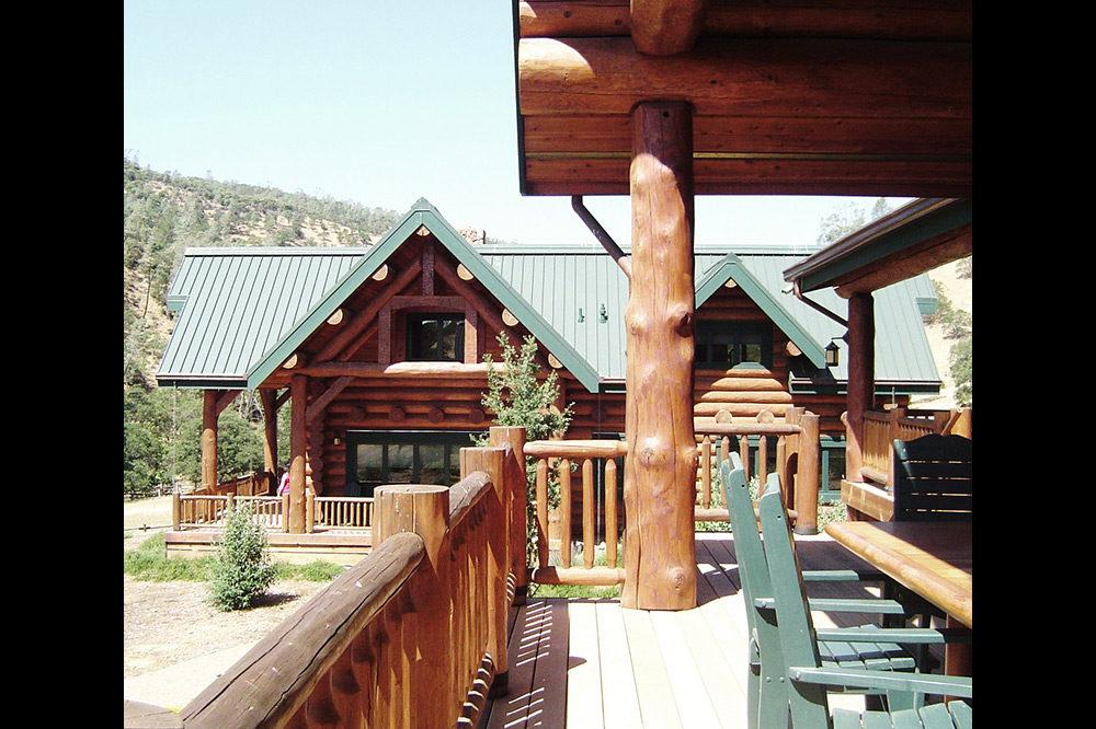 Lodge Style 4